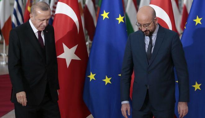 """Ευρωκοινοβούλιο: Ηχηρό """"χαστούκι"""" στη Τουρκία - Ζητά αναστολή των ενταξιακών διαπραγματεύσεων"""