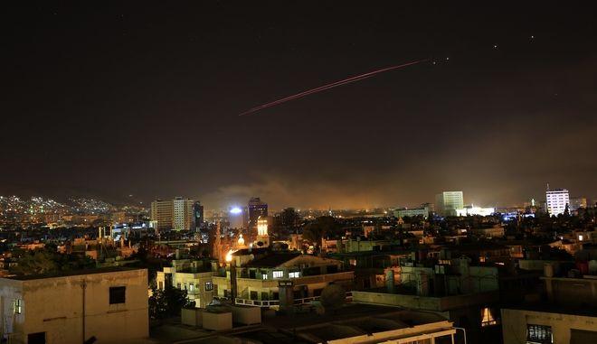 Πύραυλοι στον ουρανό της Δαμασκού