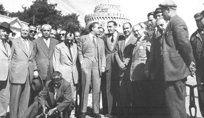 Όταν ο Καραμανλής ξήλωσε το τραμ νύχτα μετά από κόντρα με τους Βρετανούς