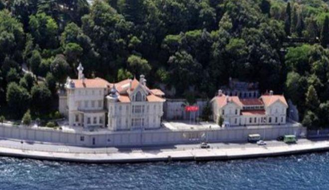"""Κορονοϊός: """"Κακοπερνάει"""" ο Ερντογάν-Καραντίνα στο χλιδάτο Huber Mansion"""