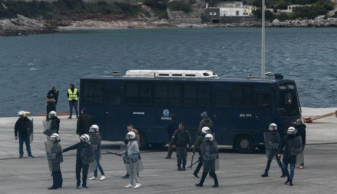 Επεισόδια  στη Χίο, μεταξύ κατοίκων του νησιού και αστυνομικών