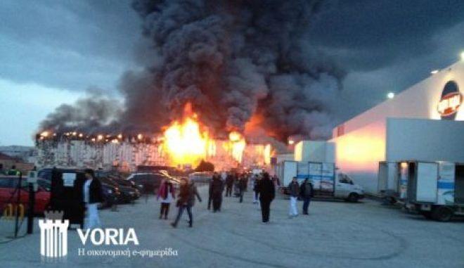 Σέρρες: Υπό έλεγχο η μεγάλη φωτιά στις εγκαταστάσεις της Κρι Κρι
