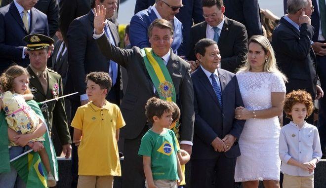 Ο Ζαΐχ Μπολσονάρο στην Μπραζίλια την ημέρα της Ανεξαρτησίας