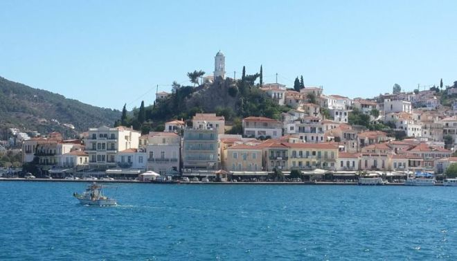 Τριήμερο Πρωτομαγιάς: Δέκα προορισμοί στην Ελλάδα με λιγότερα από 100€