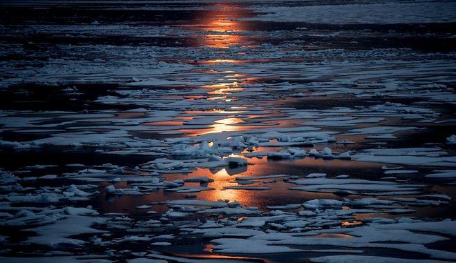 Ο μαγνητικός βόρειος πόλος μετακινείται με ταχύτητα 50 χιλιομέτρων προς τη Σιβηρία