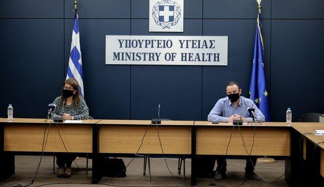 Ενημέρωση για την επιδημία κορονοϊού από τους Γκίκα Μαγιορκίνη και Βάνα Παπαευαγγέλου.