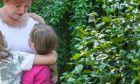 """Μεγαλώνοντας τέσσερα παιδιά στα """"Παιδικά χωριά SOS"""""""
