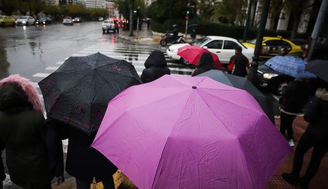 Βροχερός ο καιρός από το πρωί στην Αθήνα, Πέμπτη 13 Δεκεμβριος 2018 (EUROKINISSI/ΓΙΑΝΝΗΣ ΠΑΝΑΓΟΠΟΥΛΟΣ)