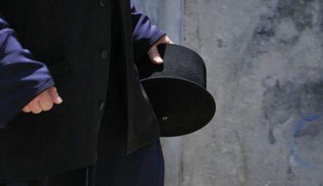 Ιερέας καταδικάστηκε γιατί πυρπόλησε και έκοψε τα φρένα του αυτοκινήτου άνδρα, με τον οποίο πίστευε ότι είχε ερωτική σχέση η σύζυγος του...