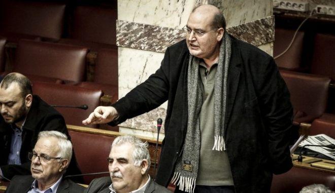 Συζήτηση επίκαιρης επερώτησης 13 Βουλευτών της Νέας Δημοκρατίας με θέμα την πώληση Βλημάτων του Ελληνικού Στρατού Ξηράς και Αεροπορικών Βομβών της Ελληνικής Πολεμικής Αεροπορίας στη Σαουδική Αραβία με Διακρατική Συμφωνία, την Δευτέρα 27 Νοεμβρίου 2017.  (EUROKINISSI/ΓΙΩΡΓΟΣ ΚΟΝΤΑΡΙΝΗΣ)