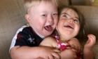 Ζευγάρι που απέκτησε μια κόρη με Σύνδρομο Down υιοθέτησε παιδί με το ίδιο σύνδρομο