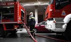 Υπό μερικό έλεγχο η πυρκαγιά σε ακατοίκητο κτίριο στο Μεταξουργείο