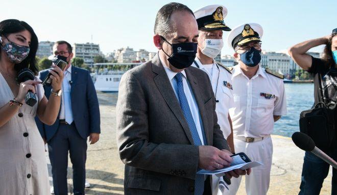 """Πλακιωτάκης: """"Φρένο"""" για επιβίβαση σε πάνω από 4.500 ταξιδιώτες την τελευταία εβδομάδα"""