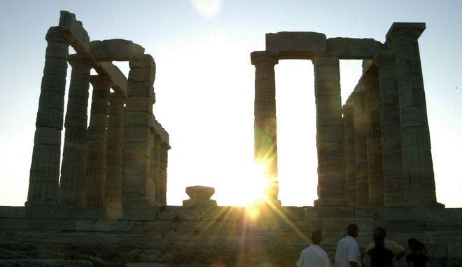 Άποψη του ναού του Ποσειδώνα στο Σούνιο