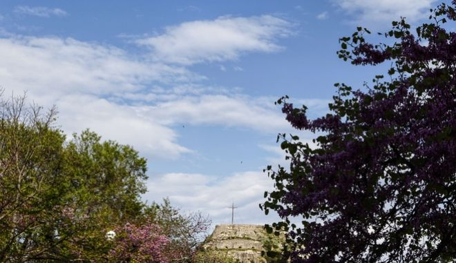 Ανοιξιάτικος καιρός στην Αθήνα