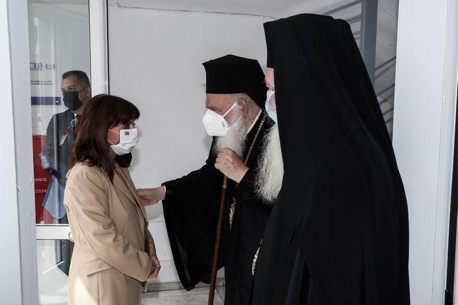 Η Κατερίνα Σακελλαροπούλου στη δομή φιλοξενίας προσφύγων
