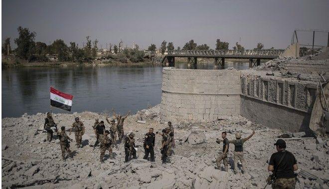 Ματωμένη νίκη στη Μοσούλη. Περικυκλωμένοι οι τζιχαντιστές