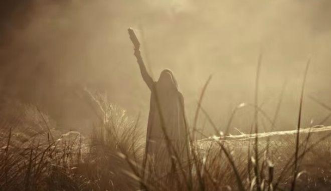 Στο νέο τρέιλερ του 'Alien: Covenant' δεν προλαβαίνεις ούτε να τρέξεις να κρυφτείς!