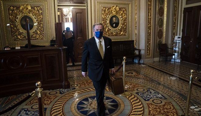 O εκ των δικηγόρων του Τραμπ, Μάικλ φαν ντερ Βιν