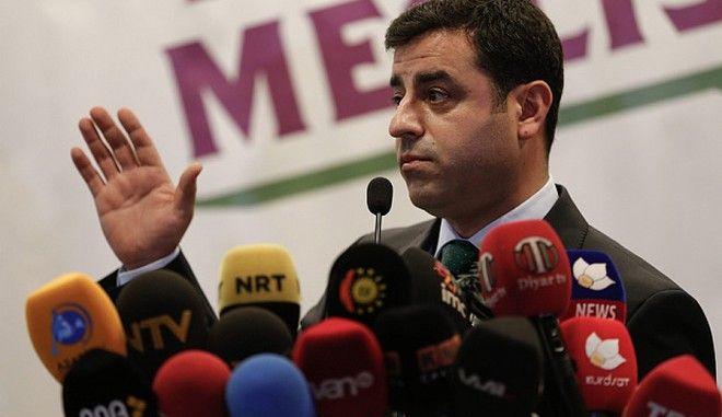 Εκλογές στην Τουρκία. Ηγέτης φιλοκουρδικού κόμματος: Η νίκη αυτή είναι νίκη των καταπιεσμένων