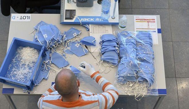 Κατασκευή μασκών στη Γαλλία