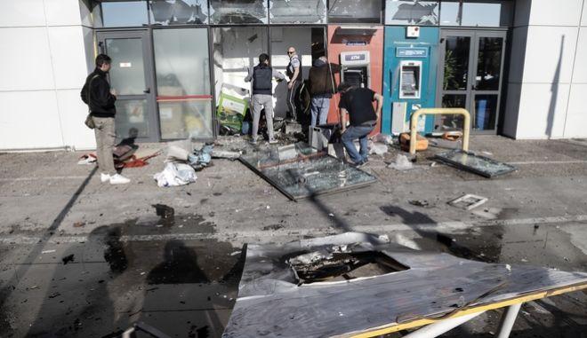 Έκρηξη σε ΑΤΜ, σε κατάστημα σούπερ μάρκετ στο Περιστέρι στη λεωφόρο Κηφισού, τα ξημερώματα της Παρασκευής 15 Νοεμβρίου 2019.