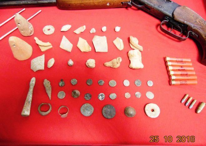 Συνελήφθη αρχαιοκάπηλος - Βρέθηκαν χάρτες στην κατοχή του