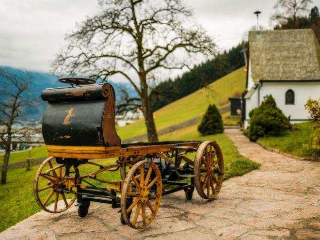 Η Porsche απόκτησε το πρώτο όχημα που σχεδιάστηκε από τον Ferdinand Porsche το 1898