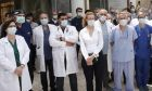 """Γιατροί Θεσσαλονίκης: """"Θα κάνουμε το εμβόλιο, αλλά δεν είναι πανάκεια. Ενισχύστε το ΕΣΥ"""""""