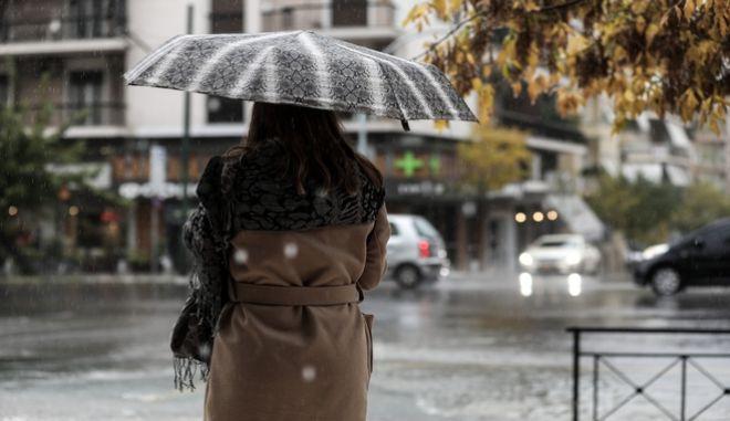 Έντονη βροχόπτωση στην Αθήνα