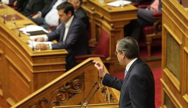 Στιγμιότυπο από την αίθουσα της Ολομέλειας για την έναρξη της προ ημερησίας διατάξεως στη Βουλή για τις διαπραγματεύσεις με τους δανειστές, την Παρασκευή 5 Ιουνίου 2015. (EUROKINISSI/ΓΙΑΝΝΗΣ ΠΑΝΑΓΟΠΟΥΛΟΣ)