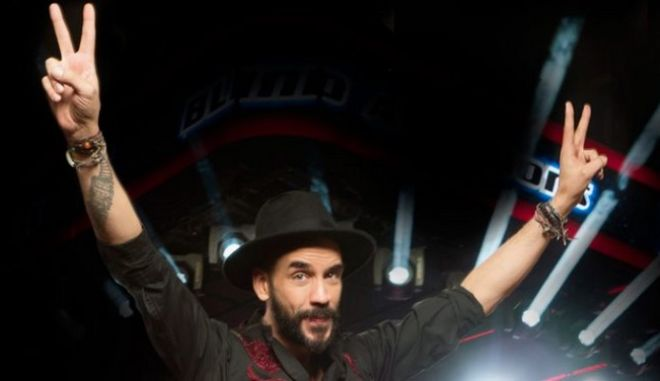 The Voice: Διασκεύασαν τον 'ύμνο' του ΠΑΣΟΚ για τον Μουζουράκη