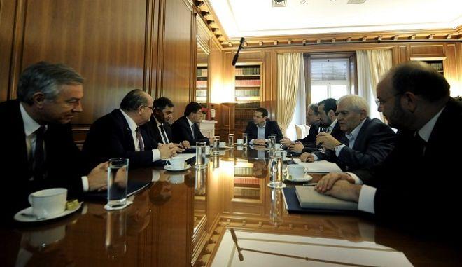 Συνάντηση του Πρωθυπουργού Αλέξη Τσίπρα με εκπροσώπους των εργοδοτικών φορέων για το ασφαλιστικό,Πέμπτη 7 Ιανουαρίου 2015 (EUROKINISSI/ΤΑΤΙΑΝΑ ΜΠΟΛΑΡΗ)