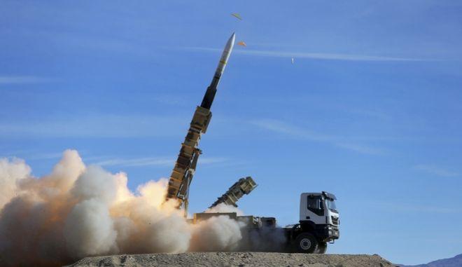 Εκτόξευση πυραύλου τύπου Sayyad 2 από τις ιρανικές στρατιωτικές δυνάμεις