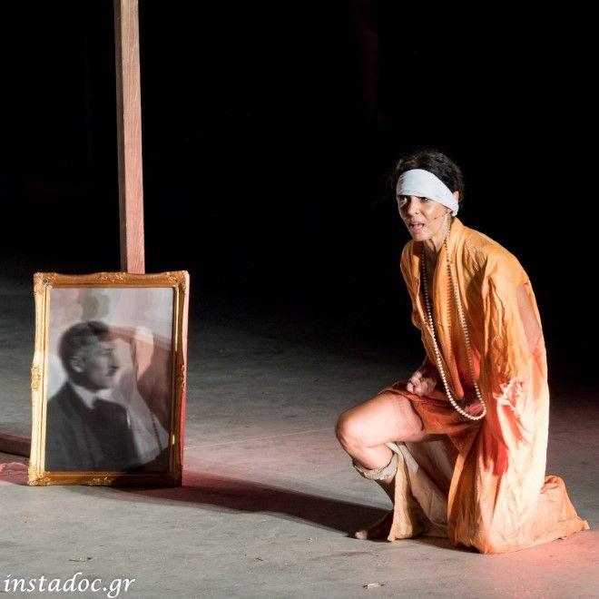 """Η Δήμητρα Παπαδήμα """"συναντά"""" την Μαρίκα Κοτοπούλη, στο """"ΑΓΡΙΜΙ"""", ένα έργο που έγραψε η ίδια και συσκηνοθετεί μαζί με τον Γιάννη Μποσταντζόγλου. Σ"""