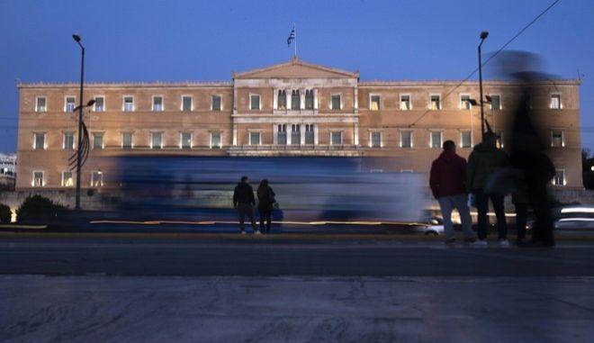 Το κτίριο της Βουλής των Ελλήνων στην πλατεία Συντάγματος