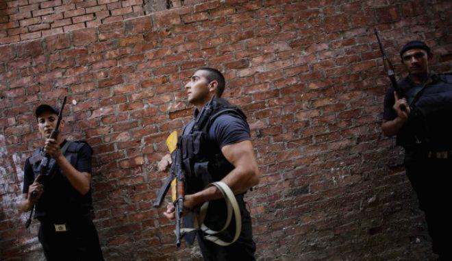 Αίγυπτος: Ένοπλοι σκότωσαν τρεις αστυνομικούς κι έναν πολίτη στο Σινά