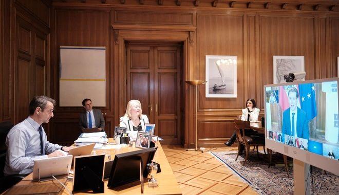 Τηλεδιάσκεψη Μητσοτάκη με ηγέτες κρατών που αντιμετώπισαν με επιτυχία την πανδημία