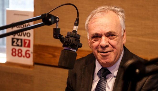 Ο Γιάννης Δραγασάκης στο στούντιο του News 24/7 στους 88,6