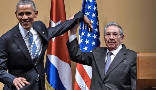 Κάστρο – Ομπάμα: Οι αμήχανες στιγμές και ο εκνευρισμός του προέδρου της Κούβας