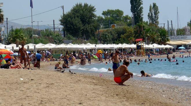 Στιγμιότυπο από παραλίες της Αττικής στο παρελθόν