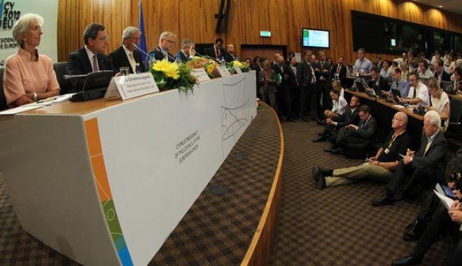 Στιγμιότυπο από την συνέντευξη που ακολούθησε την ολοκλήρωση των εργασιών της συνεδρίασης του Άτυπου Συμβουλίου Οικονομικών και Δημοσιονομικών Υποθέσεων (EUROGROUP) που έγινε σήμερα στην Λευκωσία,Παρασκευή 14 Σεπτεμβρίου 2012 (EUROKINISSI/ ΚΥΠΡΙΑΚΗ ΠΡΟΕΔΡΙΑ ΣΤΗΝ Ε.Ε)