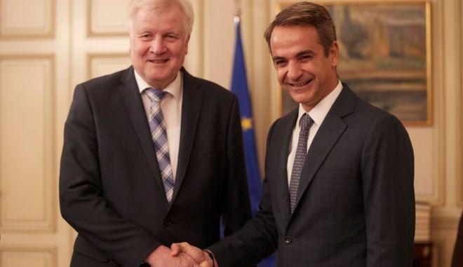 Ο Πρωθυπουργός με τον Υπουργό Εσωτερικών της Γερμανίας.