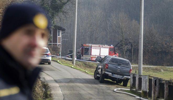 Η αστυνομία έχει αποκλείσει τον δρόμο που οδηγεί στον οίκο ευγηρίας στο Αντράσεβατς