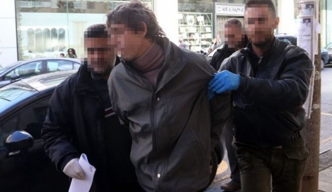 Κρήτη: Προηγήθηκε πάλη στο σαλόνι πριν σωριάσει νεκρό τον πατέρα του
