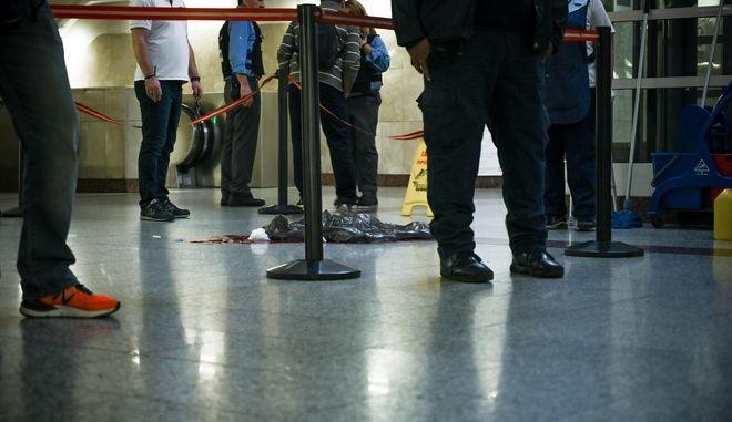 Ανδρας βρέθηκε μαχαιρωμένος  στον σταθμό Μοναστηράκι