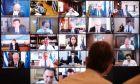 Στιγμιότυπο από τηλεδιάσκεψη του υπουργικού συμβουλίου πριν τον ανασχηματισμό (Φωτογραφία αρχείου)