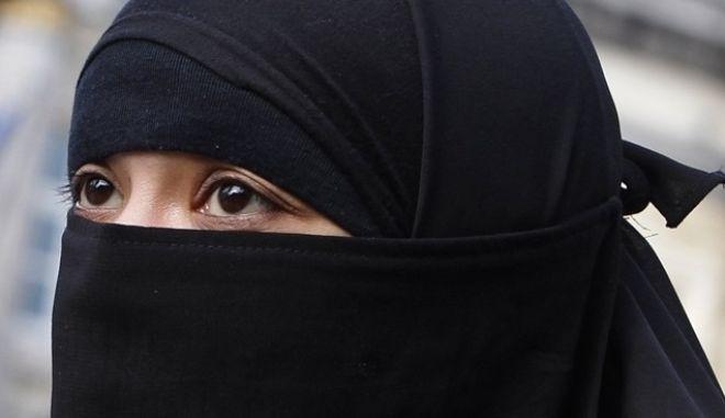 Οδηγός βιασμών των αιχμάλωτων γυναικών από το ISIS
