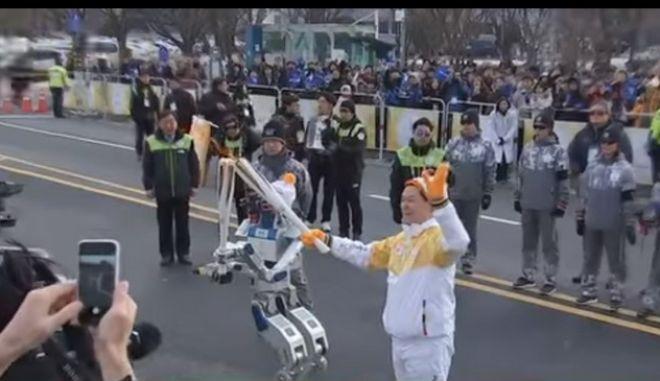 Ρομπότ λαμπαδηδρόμοι στους Χειμερινούς Ολυμπιακούς Αγώνες της Νότιας Κορέας