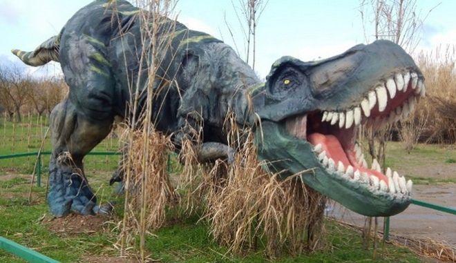 Διαγωνισμός: 10 οικογένειες κερδίζουν προσκλήσεις για το πάρκο δεινοσαύρων